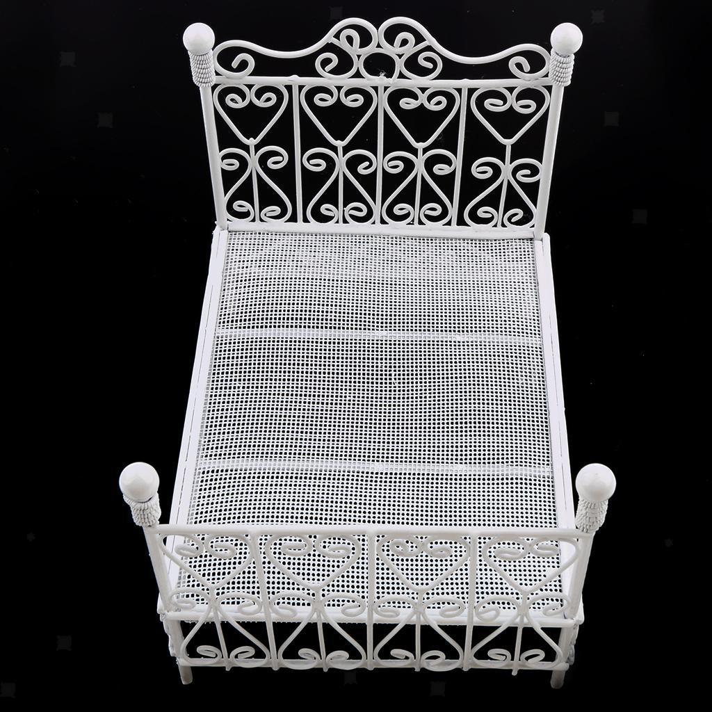 Beistelltisch und Sofa w 1:12 Puppenhaus Schlafzimmermöbel Accs Metallbett