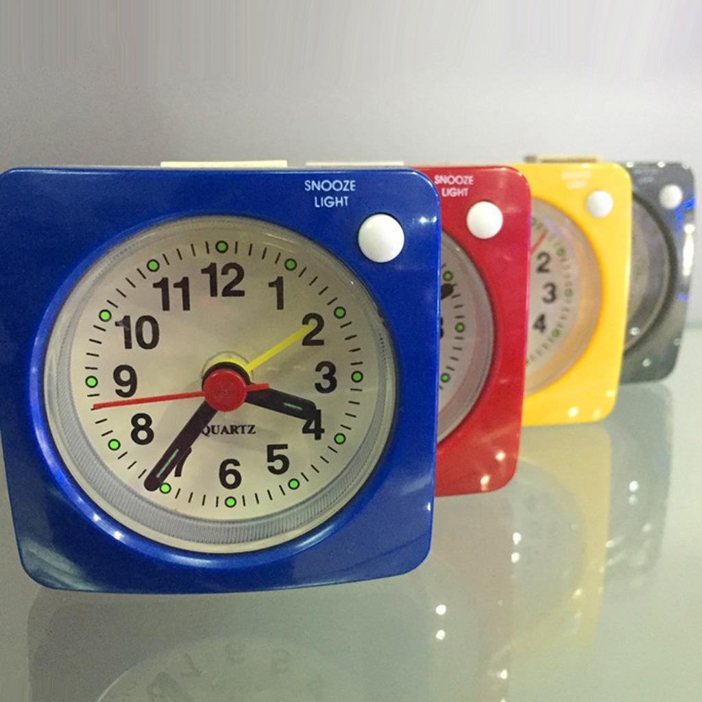 Batteriebetriebener Ziffern Schlummerfunktion Weckton Reisewecker Tischuhr